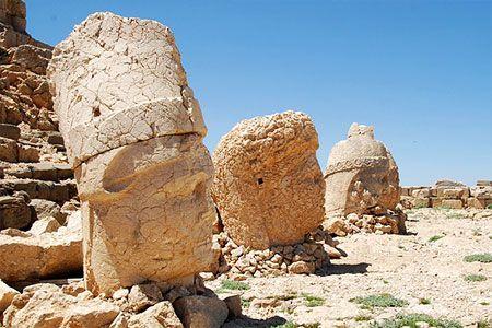 Статуи горы Немрут