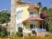 Spacieuse Villa Avec Vue Sur Mer et Montagne à Alanya, Alanya / Centre