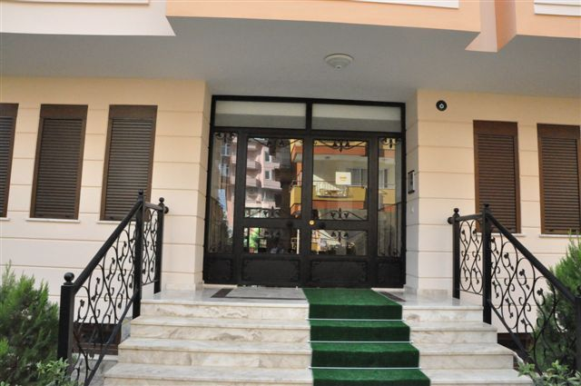 appartements avec 2 chambres situ s au centre ville d alanya. Black Bedroom Furniture Sets. Home Design Ideas