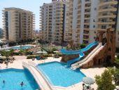 Appartement Dans un Large Complexe à Mahmutlar, Alanya, Alanya / Mahmutlar - video