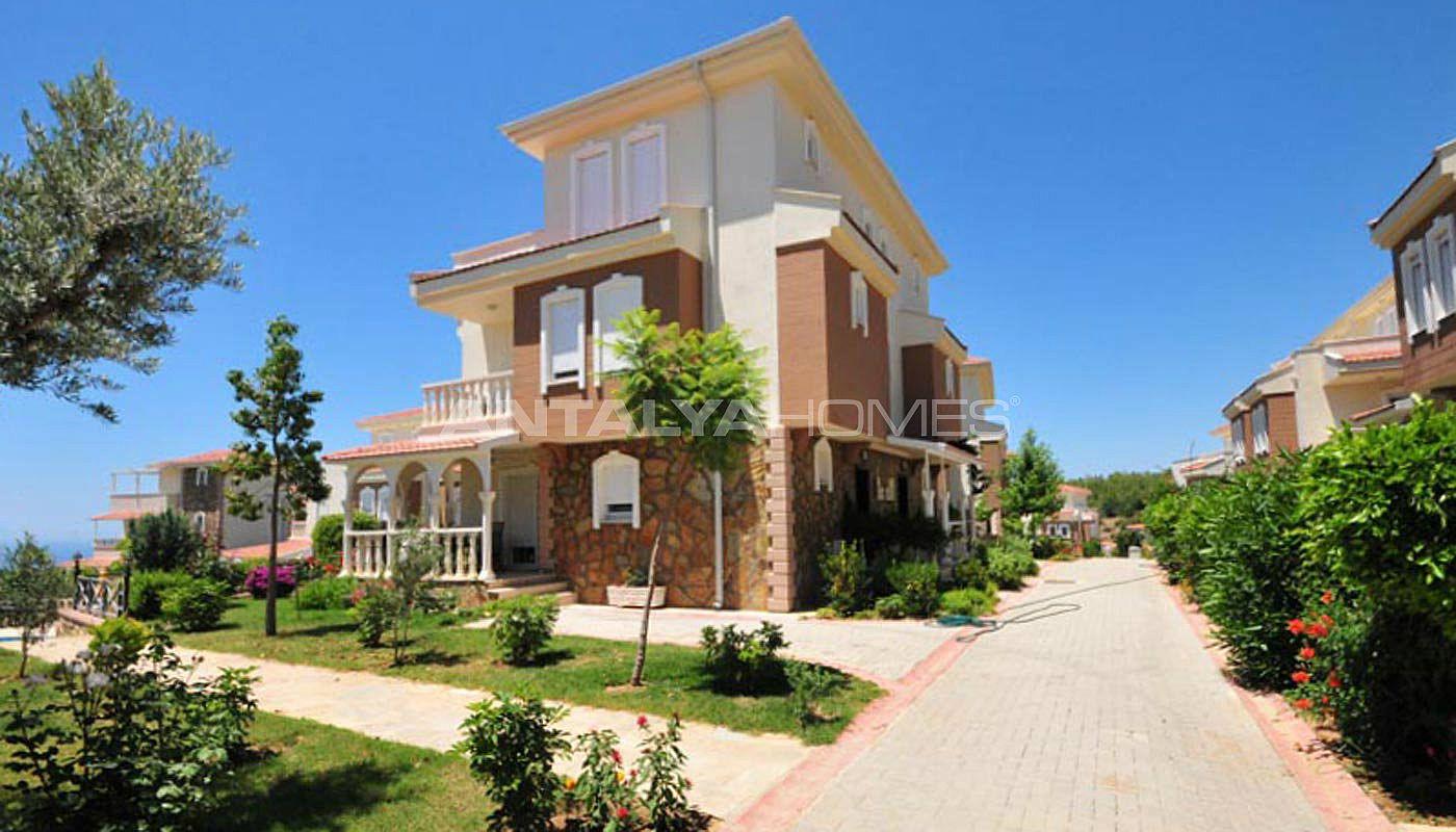 luxus villa mit meerblick zu verkaufen in alanya. Black Bedroom Furniture Sets. Home Design Ideas