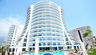 Modernly Designed Seafront Apartments in Alanya Mahmutlar, Alanya / Mahmutlar - video