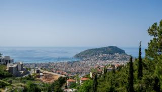 Luxury Property Intertwined with Nature in Alanya Center, Alanya / Center - video