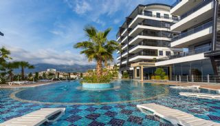 Panoramic Sea View Flats with 5-Star Hotel Concept in Alanya, Alanya / Kargicak - video
