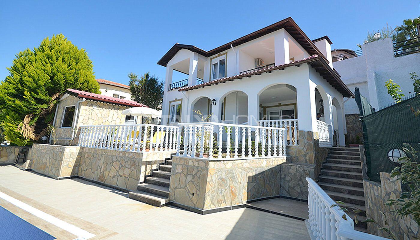 Zeezicht huis te koop in turkije alanya met eigen zwembad for Eigen huis te koop
