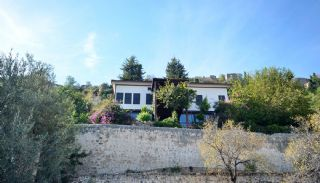 Antikes Haus innerhalb der Mauern von der Alanya Burg, Alanya / Zentrum - video