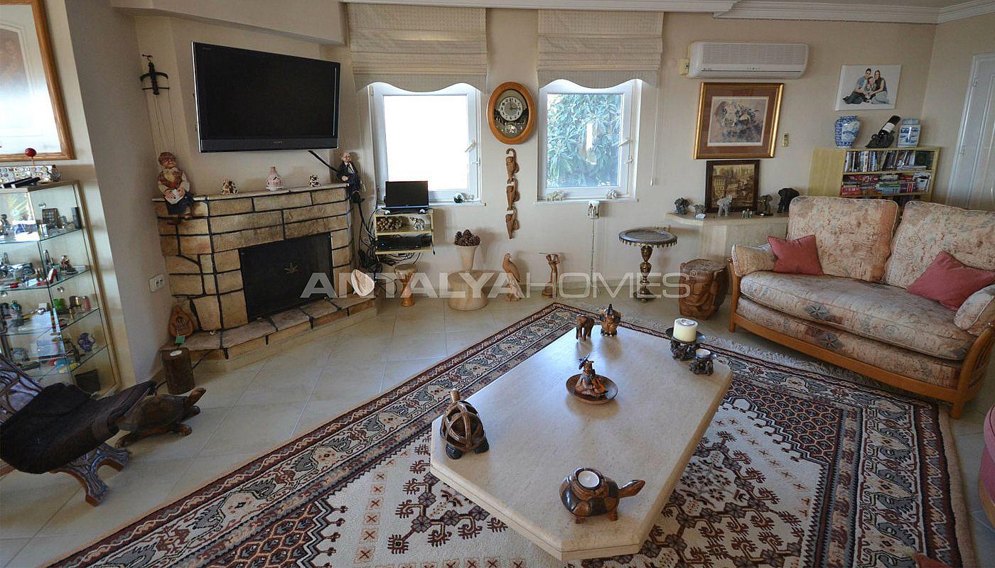 Villa in kargicak met panoramisch uitzicht op de natuur - Kleedkamer suite badkamer kleedkamer ...