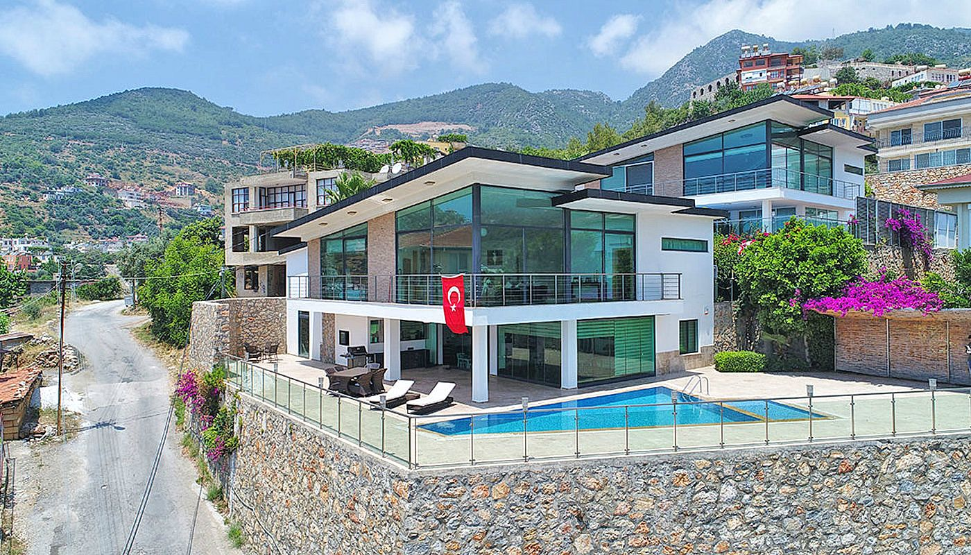Furnished House In Alanya With Private Pool