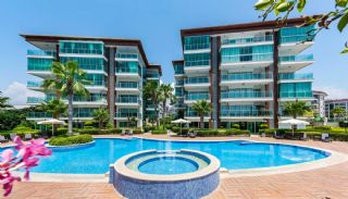 Seafront Alanya Flats with Private Access to the Beach, Alanya / Kestel