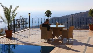 Family-sized Villa with Private Swimming Pool in Alanya, Alanya / Bektas - video
