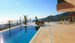 Family-sized Villa with Private Swimming Pool in Alanya, Alanya / Bektas