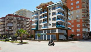 High-Quality Real Estate Close to the Beach in Alanya, Alanya / Mahmutlar