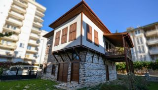 Recently Renovated Detached House in Alanya Turkey, Alanya / Center