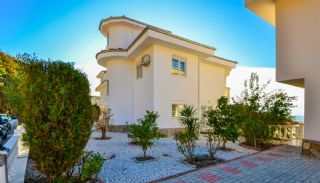 Sea View Detached Villas with a Spacious Terrace in Alanya, Alanya / Kargicak