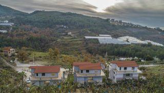 Ljusa Villor med Panoramiska Havsutsikt och Natur i Alanya, Alanya / Kargicak - video