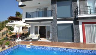 Triplex Villa met Zee en Fort in Alanya, Alanya / Oba - video