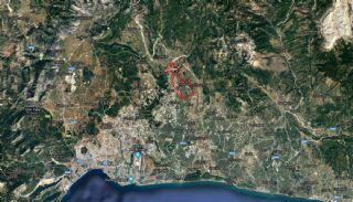 أرض زراعية محاطة بالغابات في بيليك أنطاليا, بيلك / المركز