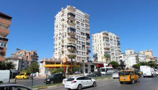 Renovated Spacious Apartment for Sale in Konyaaltı Antalya, Antalya / Konyaalti