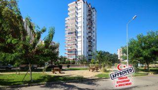 Luxury Renovated Flat Facing Four Fronts in Antalya, Antalya / Lara