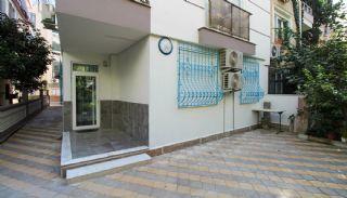 Квартира в Центре Анталии в 400 м от Улицы Ишыклар, Анталия / Центр - video