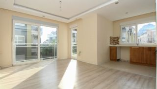 Flat in a Well-Kept Residential Complex in Konyaaltı Antalya, Interior Photos-1