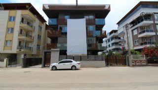 Modern gestaltete Immobilien mit Innenparkplatz in Konyaaltı, Antalya / Konyaalti - video