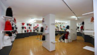 Cumhuriyet'te Merkezi Konumda Satılık Showroom Depo ve Dükkan, İç Fotoğraflar-2