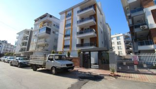 New Antalya Flats with a Separate Kitchen in Kızılarık, Antalya / Center