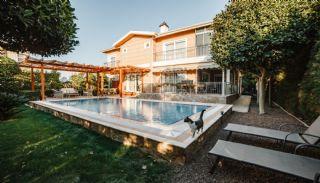 Villa Meublée Avec Piscine Privée et Jardin à Lara, Antalya / Lara