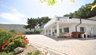 Kemer'de Bahçeli ve Havuzlu Dubleks Müstakil Villa, Kemer / Adrasan - video