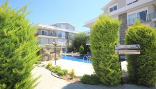 Capacious Apartment in a Complex with Swimming Pool in Belek, Belek / Center - video