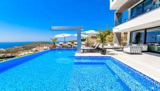 Villa med fantastisk utsikt över staden och havet i Kalkan, Kalkan / Centrum