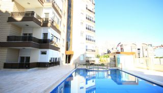 Baris Homes, Antalya / Lara - video
