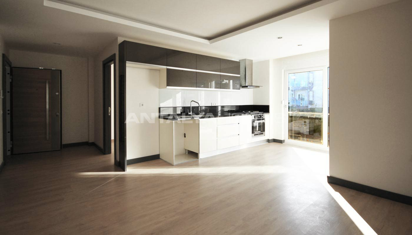 appartements dans un espace calme lara antalya. Black Bedroom Furniture Sets. Home Design Ideas