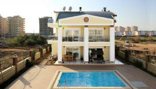 Villa Privée Proche des Commodités à Kundu, Antalya / Lara - video