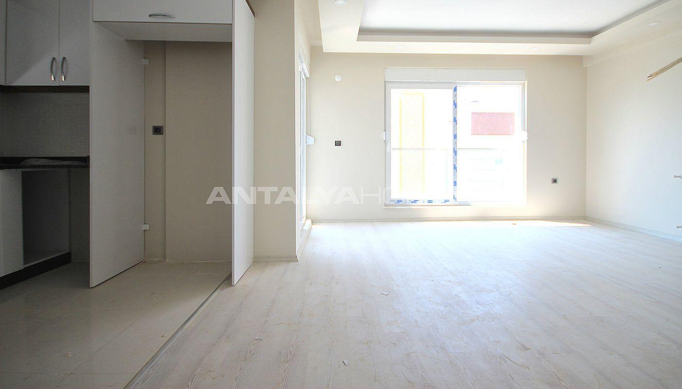 appartements de qualit dans une zone calme de konyaalti. Black Bedroom Furniture Sets. Home Design Ideas