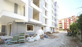 Antalya'da Satılık 2 Yatak Odalı Daireler, Antalya / Lara - video