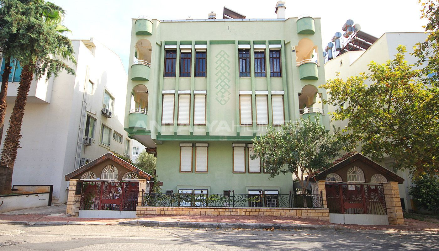 Möblerad Villa med Lantlig stil är till Salu i Centrala Lara