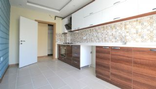 Cheap Property for Sale with Separate Kitchen, Interior Photos-5