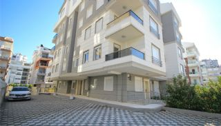 Apartments in Konyaalti Close to the Beach, Antalya / Konyaalti - video