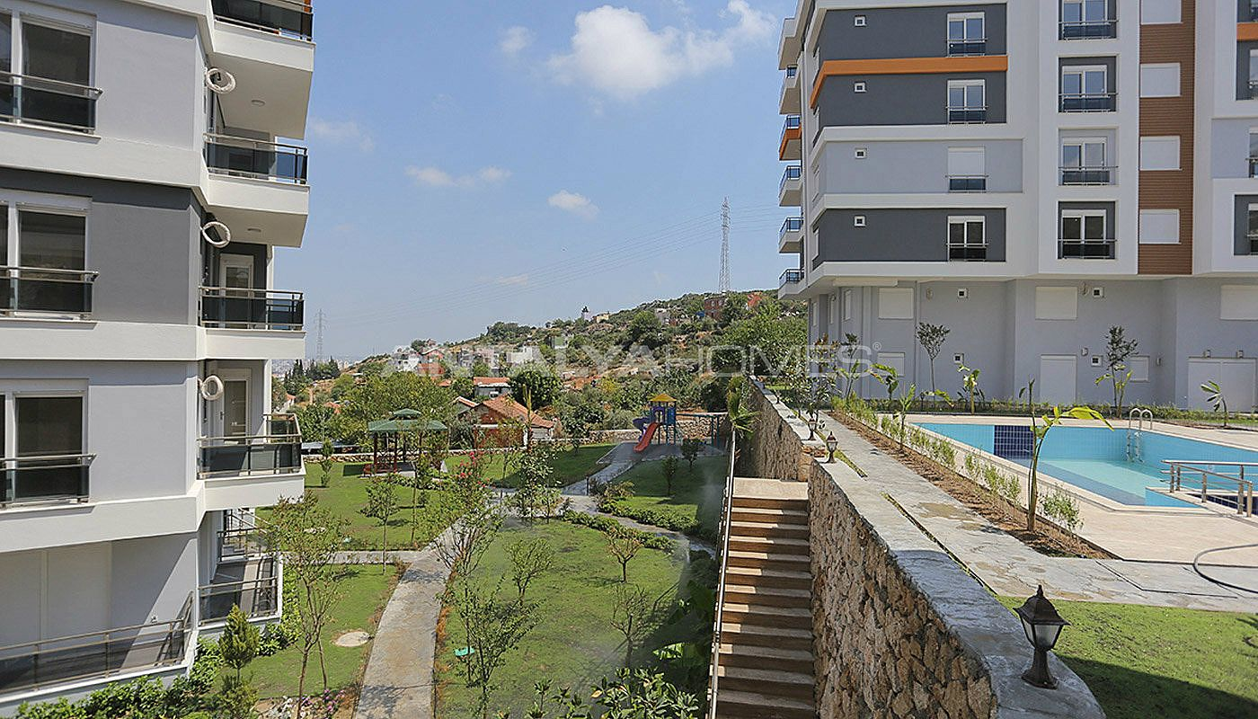 Apartments in kepez antalya surrounded by parks for Big city apartments