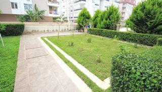 3 Slaapkamer Appartement met Aparte Keuken in Konyaalti, Antalya / Konyaalti - video