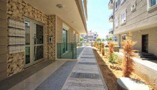 آپارتمان های آماده تحویل در منطقه ای آرام در لارا در آنتالیا, آنتالیا / لارا - video