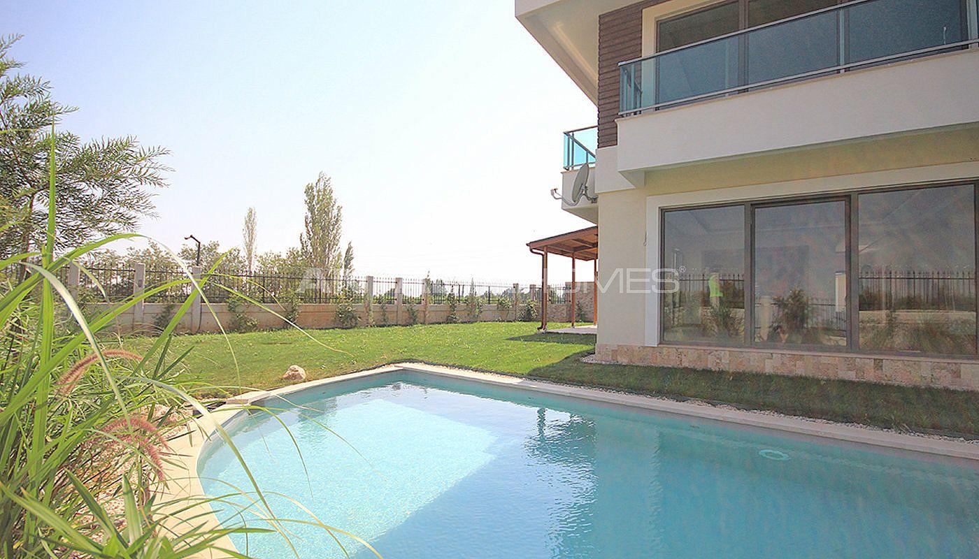 Villas antalya eloign es du centre de la ville for Prix piscine biologique