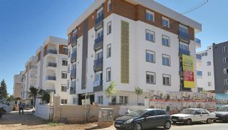 Centrally Located Antalya Apartments with Separate Kitchen, Antalya / Center - video