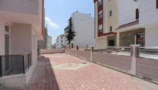 Kütükçü Mahallesinde Yeni Tamamlanmış Ucuz Daireler, Antalya / Kepez - video