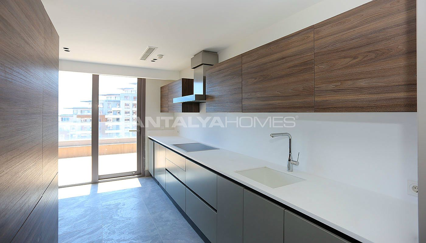 luxuri se wohnungen mit reicher ausstattung in konyaalti. Black Bedroom Furniture Sets. Home Design Ideas