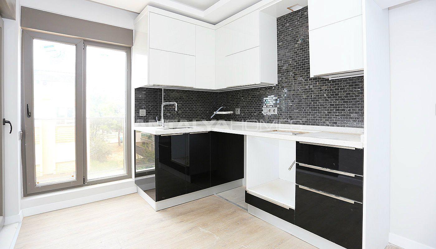 ger umige wohnung in konyaalti alt nkum. Black Bedroom Furniture Sets. Home Design Ideas