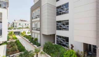 Moderne Wohnung mit separater Küche in Lara Antalya, Antalya / Lara - video