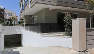Lara'da Yeşilliklerle Çevrili Site İçinde Daireler, Antalya / Lara - video